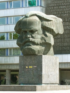 Karl-Marx-Monument_in_Chemnitz