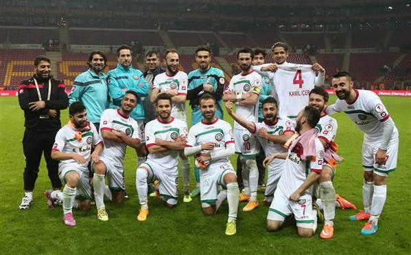 Diyarbakir BB ou Amedspor? Uma coisa é certa, a vitória sobre o Galatasaray (Foto: Facebook Amedspor)