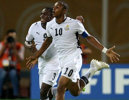 Filho de Abedi Pelé é o que tem carreira mais consistente entre os oito jogadores. (AP Photo/Thanassis Stavrakis)