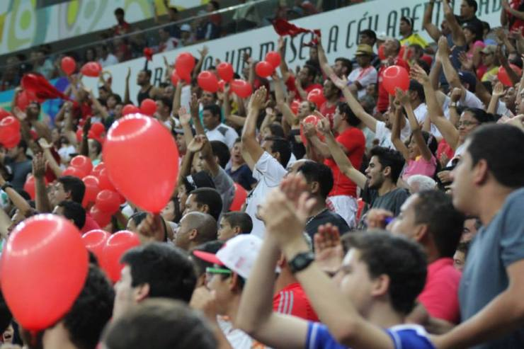 Os colorados de Brasília pressionaram e deu certo. (Foto: Facebook - Brasília Futebol Clube)