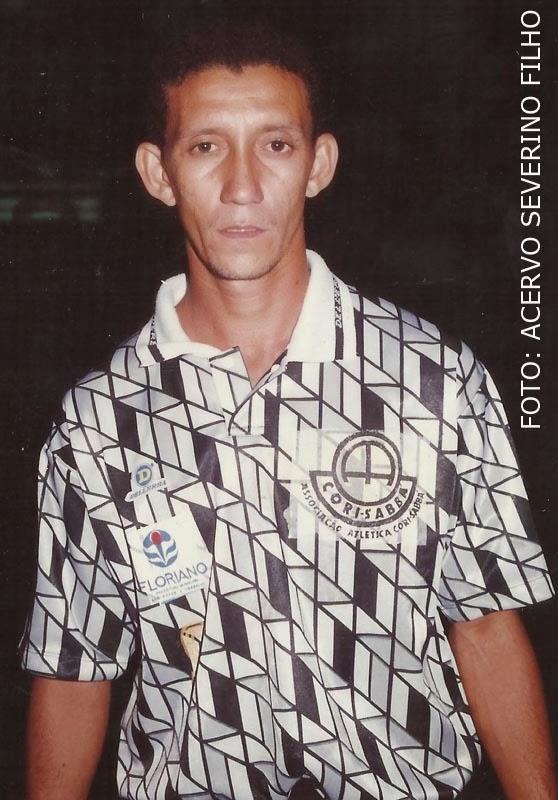 Não confunda com o Bragantino. Este é o uniforme do Cori-Sabbá, campeão piauiense de 1995.