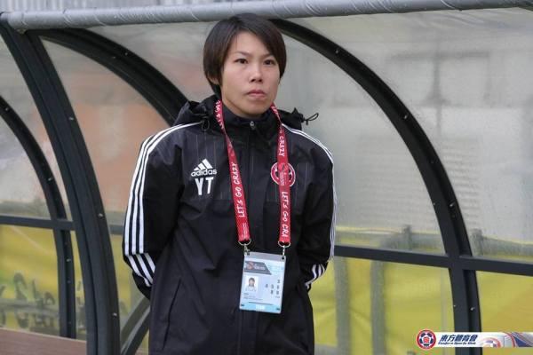 Chan Yuen-Ting começa muito bem a sua trajetória como treinadora (Foto: Facebook 東方足球隊 Eastern Football Team)