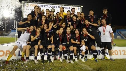 """O Colo-Colo, o único """"não-brasileiro"""" com título da Libertadores"""