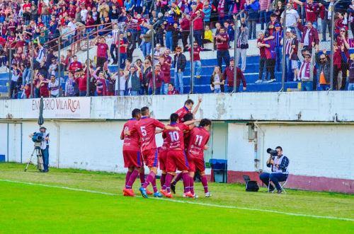 Comemoração do Caxias no jogo contra o Maringá, válido pela Série D (Foto: Geremias Orlando)